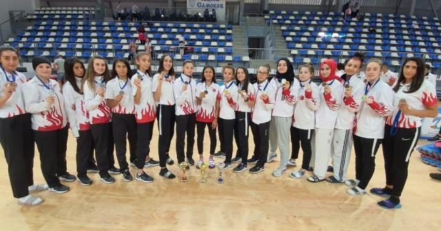 Taekwondo Milli Takımı, Bulgaristan'da 31 madalya kazandı