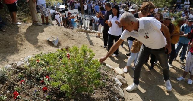 Tuncel Kurtiz mezarı başında anıldı