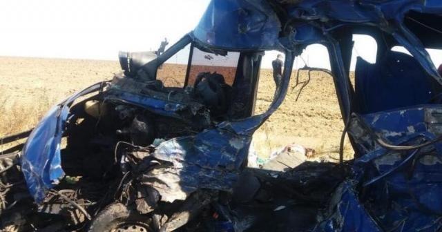 Ukrayna'da tır ile minibüs çarpıştı: 9 ölü