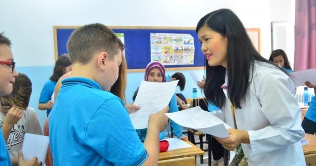 Yabancı öğretmenlerden öğrencilere konuşma dersi