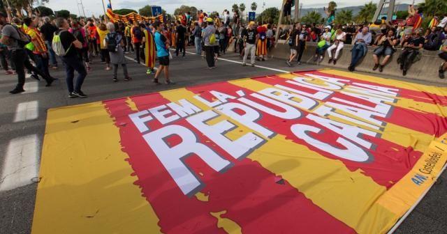 Barselona'da protestolar sürüyor