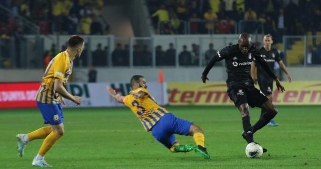 Beşiktaş deplasmandan 1 puanla döndü