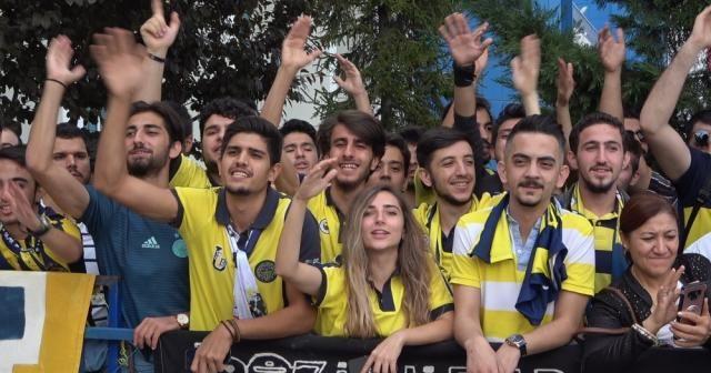Fenerbahçe, Denizli'de