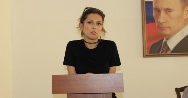 İran, gözaltında tuttuğu Rus gazeteciyi serbest bıraktı