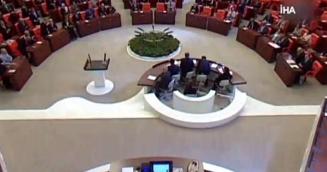 Mali ve Orta Afrika tezkeresi kabul edildi