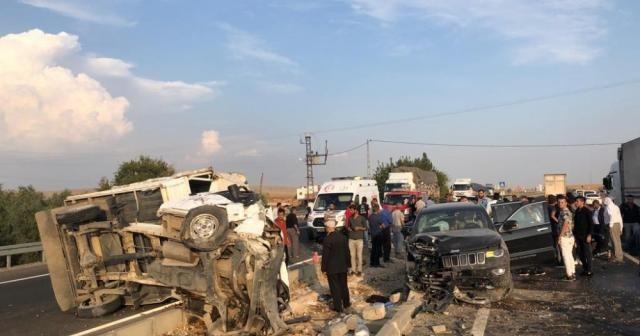 Mardin'de trafik kazası: 1 ölü, başsavcı ile birlikte 9 yaralı