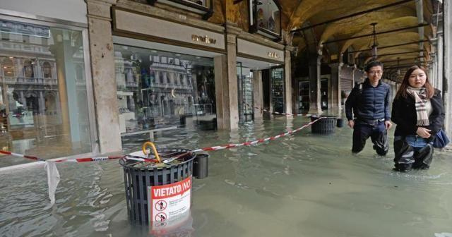 """""""Aşıklar Şehri"""" Venedik, sular altında"""