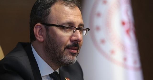 Bakan Kasapoğlu, Hamide Doğangün ve Oğuz Akbulut'u tebrik etti