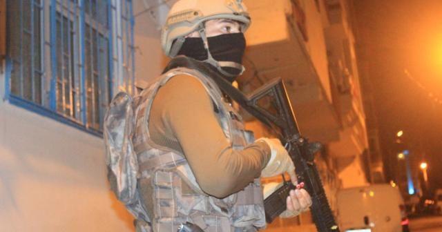 İstanbul'da gece vakti terör operasyonu: Çok sayıda gözaltı var