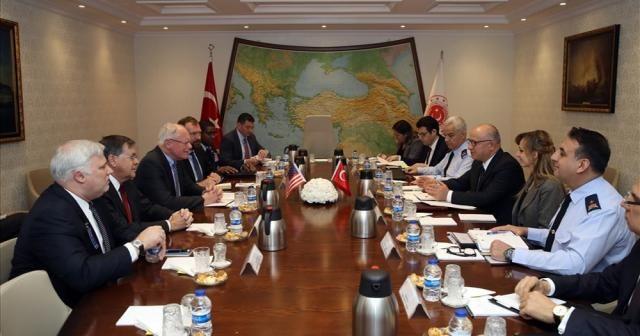 Milli Savunma Bakan Yardımcısı Karaosmanoğlu ve Jeffrey görüşmesi