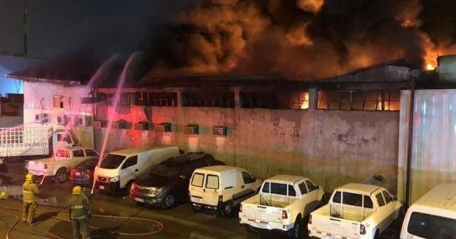 Kuveyt'te sanayi bölgesinde yangın