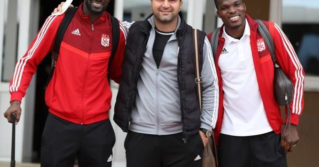 Lider Sivasspor, kupa maçı için İstanbul'a gitti