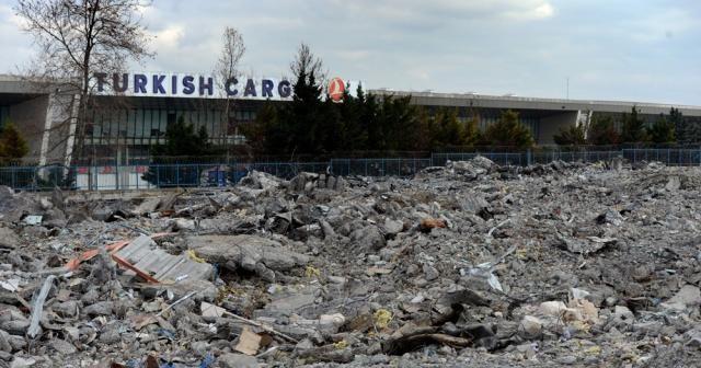 Atatürk Havalimanı kargo bölümünde yıkım tamamland
