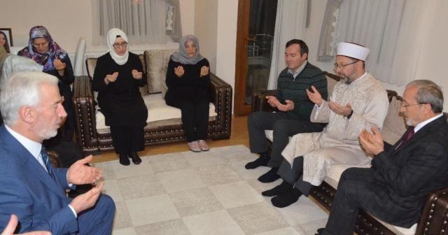 Diyanet İşleri Başkanı Ali Erbaş, Ceren Özdemir'in ailesine taziye ziyaretinde bulundu