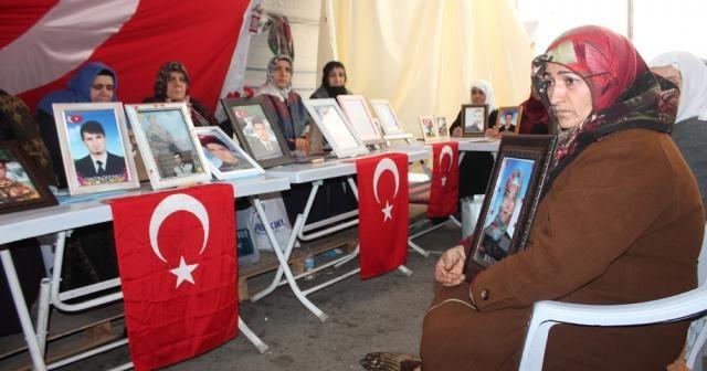 HDP önündeki aileler evlat nöbetine devam ediyor