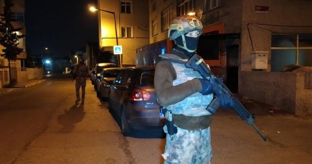 Silahlı suç örgütüne geniş çaplı operasyon düzenlendi: Çok sayıda gözaltı