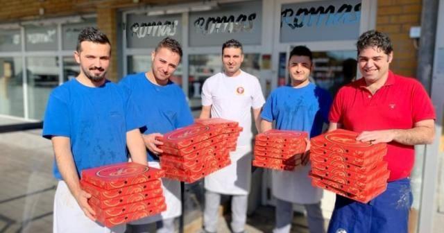 İsveç'te Türk vatandaşlarından sağlık çalışanlarına örnek jest