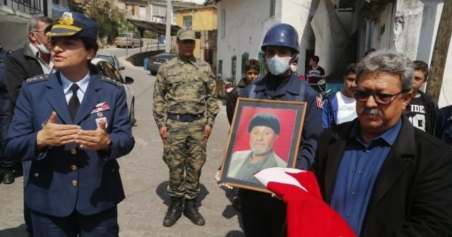 Kore gazisine askeri törenle sessiz veda