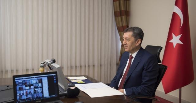 Milli Eğitim Bakanı Selçuk, gönüllü destek istedi
