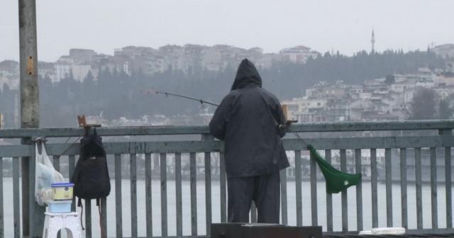Unkapanı Köprüsü'nün son olta balıkçısı