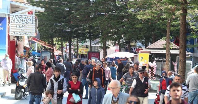 Antalya sokaklarında sıcak hava yoğunluğuna polis uyarısı