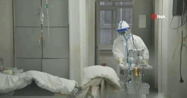 İtalya'da yoğun bakımdaki hasta sayısı düşüşe geçti
