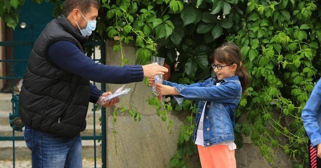 Bayramda mendil yerine çocuklara özel maske
