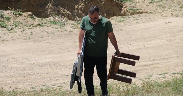 Elazığ'da vefalı öğretmen eğitimi, internet çeken tepeye taşıdı