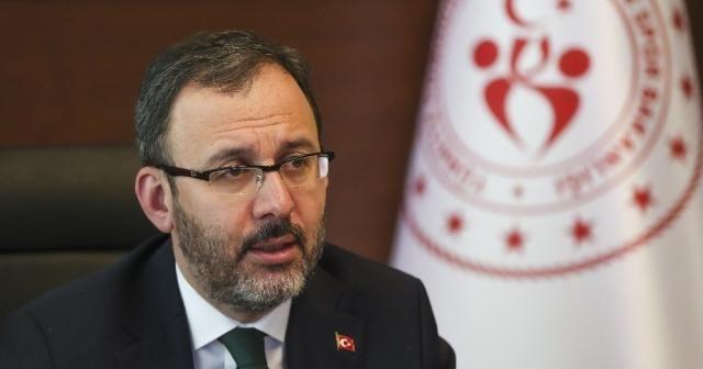 """""""Gençlerimiz arasından Cahit Zarifoğlu gibi değerler çıkacağına inanıyorum"""""""