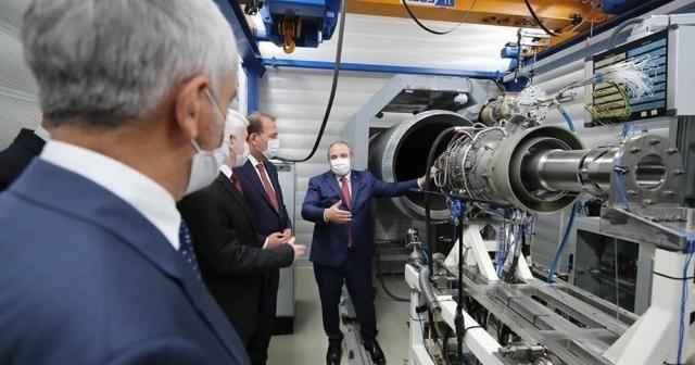Türkiye'nin Orta Menzilli Gemi Savar ilk hava solumalı füze motoru test edildi