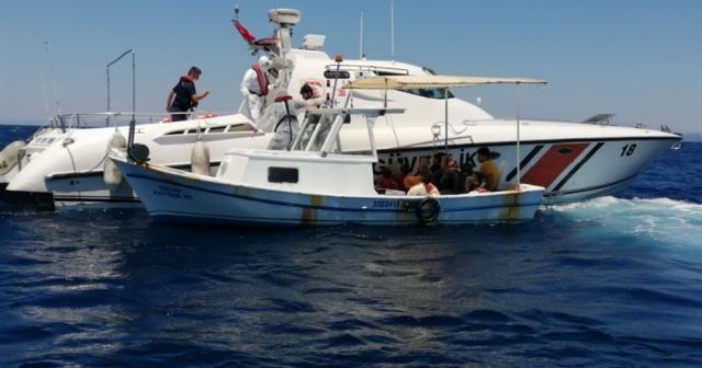 İzmir'de 58 sığınmacı kurtarıldı