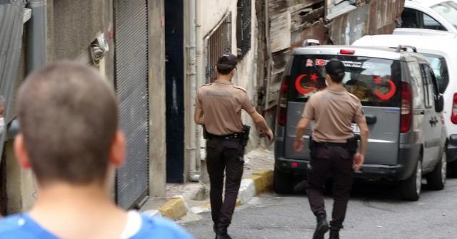 """Beyoğlu'nda bıçaklanan Faslı'ya ilk müdaheleyi """"Gece Kartalları"""" yaptı"""