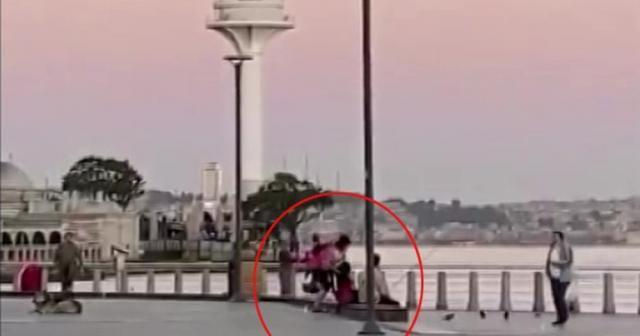 Kadının erkeğe meydan dayağı çekmesi kamerada