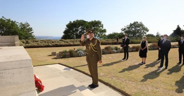 Avustralyalıların Lone Pine Anıtı'nda sosyal mesafeli töreni