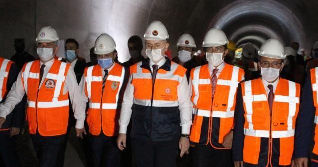 Bakan Karaismailoğlu, Honaz Tünelinde incelemede bulundu
