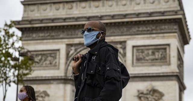 Fransa'da günlük vaka sayısı rekor tazeledi