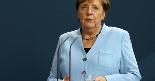 """Merkel: """"Önlem alınmazsa yeni yılda Fransa'daki vaka sayısına ulaşırız"""""""