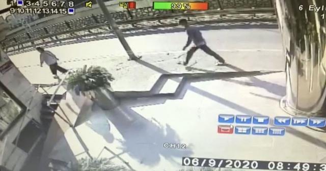 Taksim'de kadınları hedef alan kapkaç çetesi kamerada