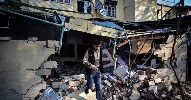 Ermenistan'ın vurduğu Terter kent merkezindeki yıkım görüntülendi