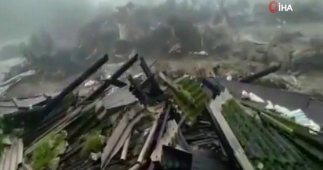 Hindistan'da sel felaketi: 60 ölü