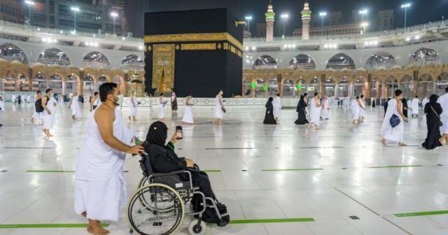"""Suudi Arabistan: """"Kasımda yurt dışından gelecek Umre ziyaretçileri için hazırız"""""""