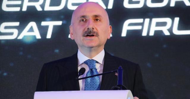"""Bakan Karaismailoğlu: """"Türksat 5A uydusu, 8 Ocak 04.28'de yörüngesine fırlatılacak"""""""