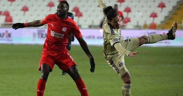 Fenerbahçe, deplasmanda Sivasspor ile 1-1 berabere kaldı