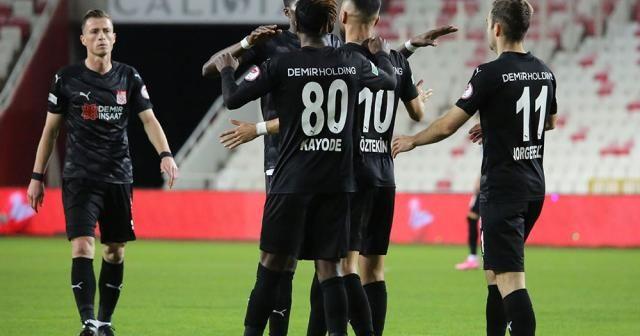 Ziraat Türkiye Kupası: D.G. Sivasspor: 1 - Adana Demirspor: 1 (İlk yarı)