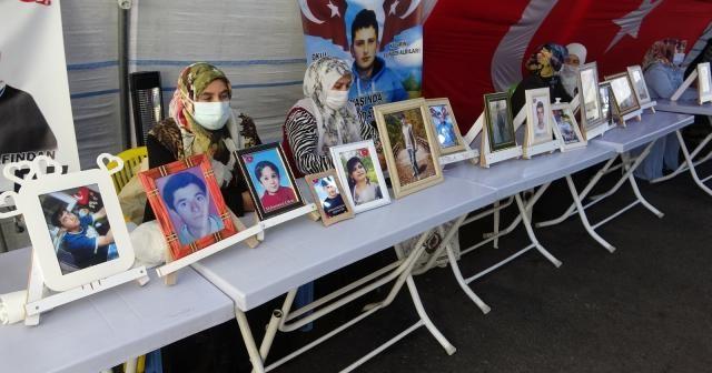 Kısıtlamalar kalktı, aileler HDP önündeki çadırın yolunu tuttu