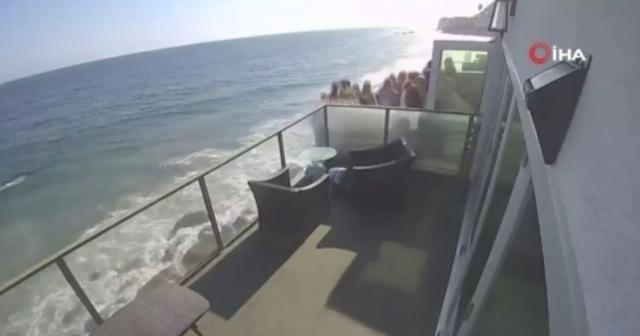 ABD'de balkon çöktü: 9 yaralı