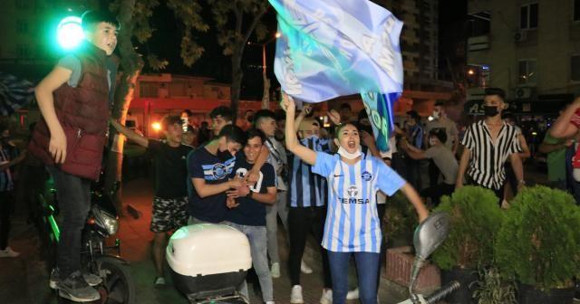 Adana Demirspor'un 26 yıl sonra gelen şampiyonluğu, kentte coşkuyla kutlandı