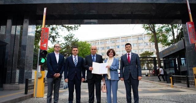 Memleket Partisi Kurucular Heyeti Başkanı Hakkı Akalın kuruluş başvurusunu yaptı