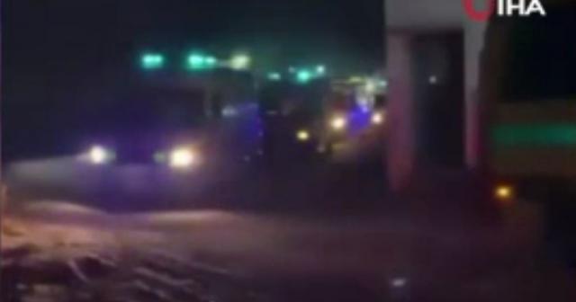 Mısır, İsrail'in yoğun saldırıları sonrası Gazze'ye ambulans gönderdi