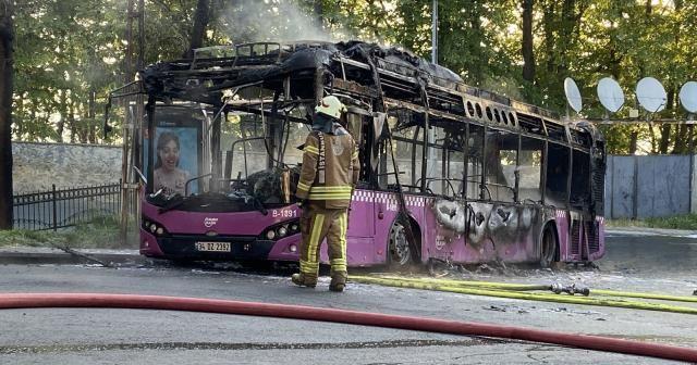 Sarıyer'de İETT otobüsü alev alev yandı